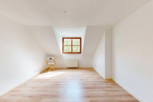 ***Stadtfeld Ost - Dachgeschoss - 2 Zimmer**